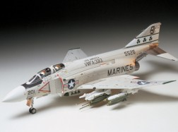 F-4J PHANTOM II° MARINES