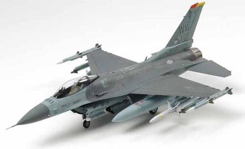 F16CJ FALCON + EQUIPAGGIAMENTO